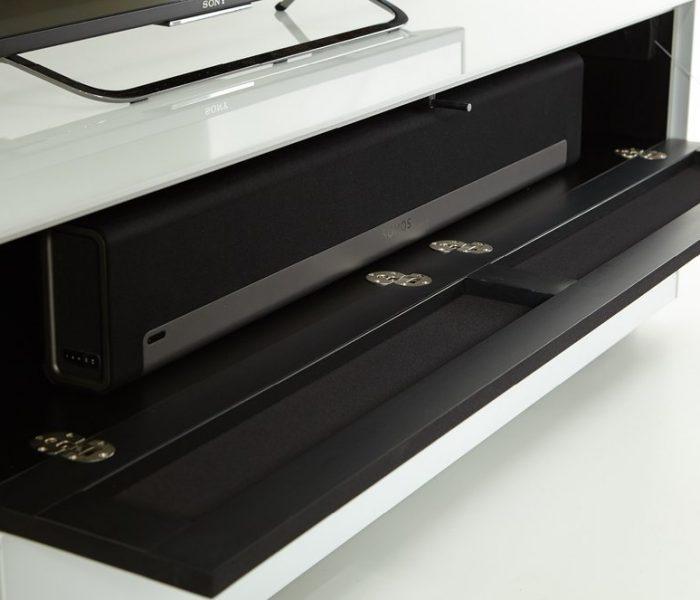 Вариант отделки глянцевым белым стеклом и акустической тканью для Тумбы под телевизор от Sonorous
