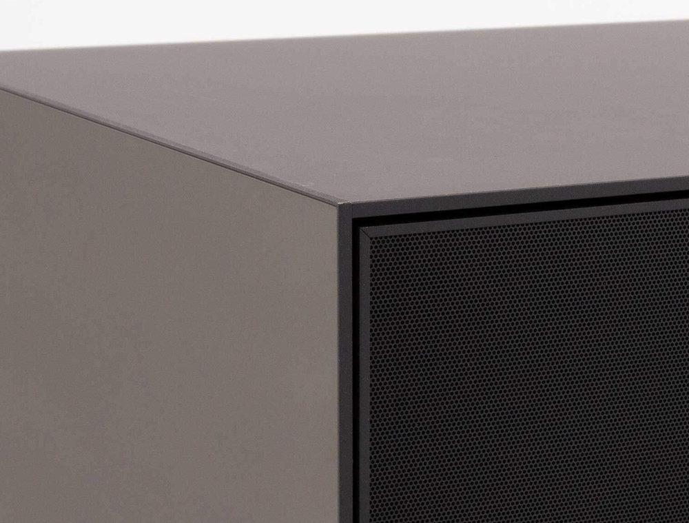 Тумба для ТВ и акустики в стекле и перфорированном метале шириной 160 см