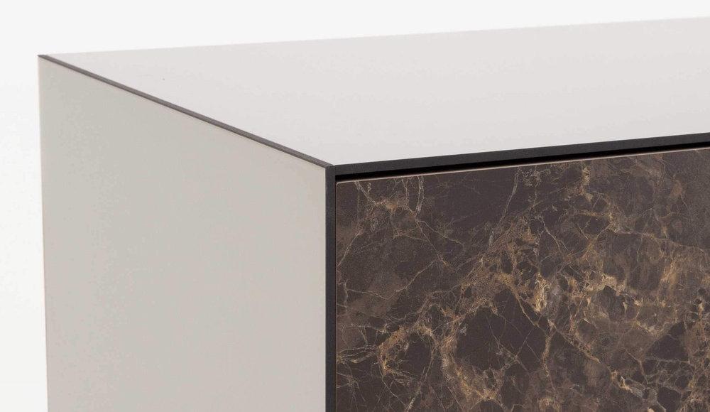 Набор тумб в гостинную в стекле, ткани и керамике шириной 195 см